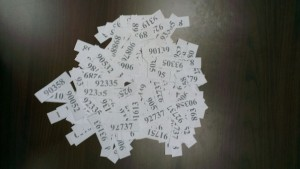 Билеты финалистов акции. Если присмотреться, можно заметить, что некоторые номера дублируются - для счетов от $50 и выше. Все согласно условиям акции -  чем выше номинал оплаченного счета, тем выше шансы получить супер-приз!